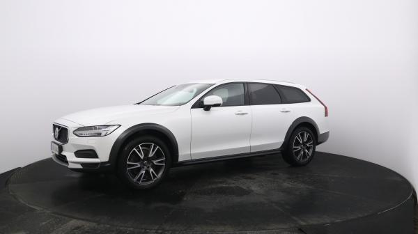VOLVO V90 Cross Country IUZ-644