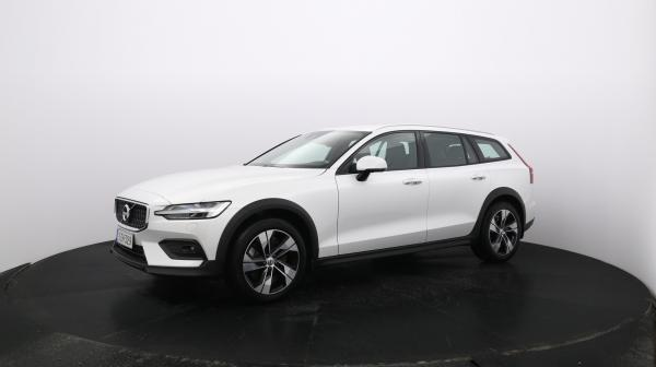 VOLVO V60 Cross Country IZH-329