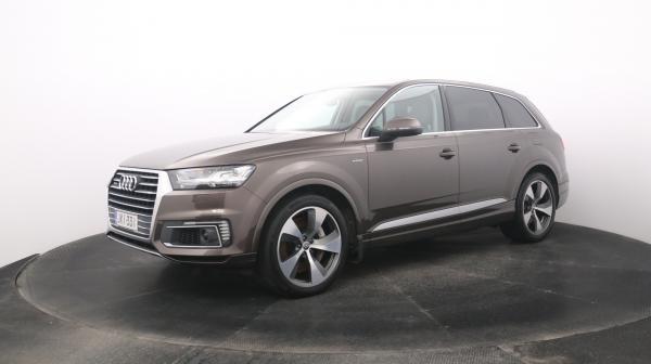 Audi Q7 JKI-331