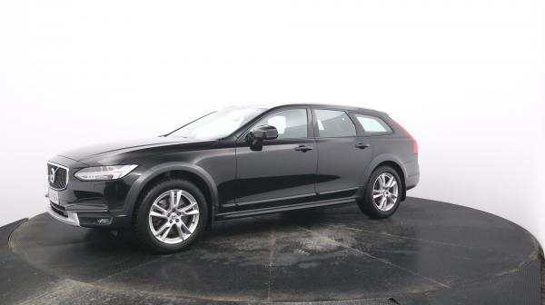 VOLVO V90 Cross Country YJV-924
